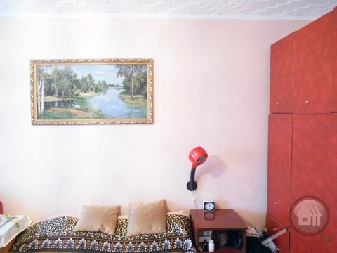 Продается комната с ок в 3-комнатной квартире, пр. Строителей - Фото 2