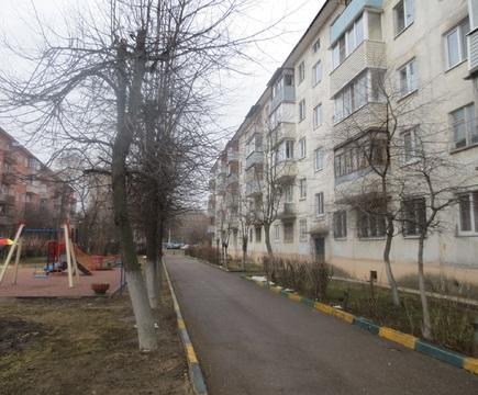 Сдам 1 к. квартиру в г. Серпухов, ул. Советская, д. 100 в - Фото 1