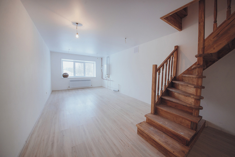 Продажа 2-комн. квартиры, 65 м2, этаж 2 из 3 - Фото 2