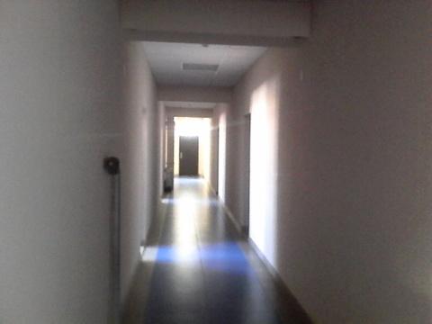 Помещение на втором этаже 19 кв.м с отделкой. Проведен интернет. - Фото 3