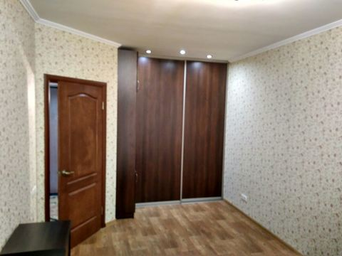 Продам просторную, светлую, очень красивую квартиру в Радужном - Фото 1