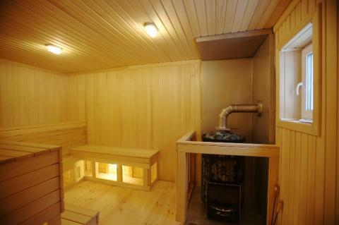 Шикарный коттедж с современным интерьером и баней в пос. Запорожское - Фото 4