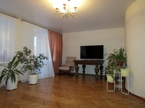Владимир, Комиссарова ул, д.26, 4-комнатная квартира на продажу - Фото 1