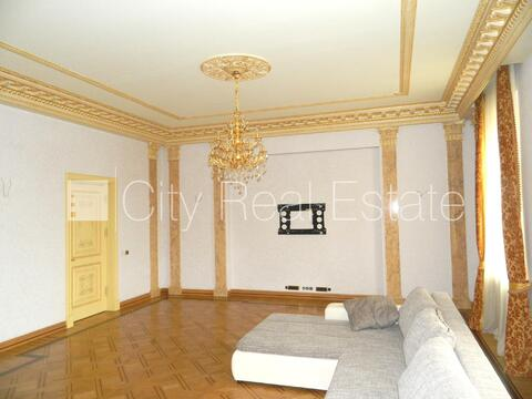 Продажа квартиры, Бульвар Бривибас - Фото 1