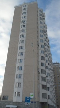 Продается Двухкомн. кв. г.Москва, Нарвская ул, 1ак2 - Фото 1