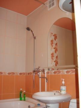 1к. квартира в Новосибирске ул.Кошурникова посуточно - Фото 3