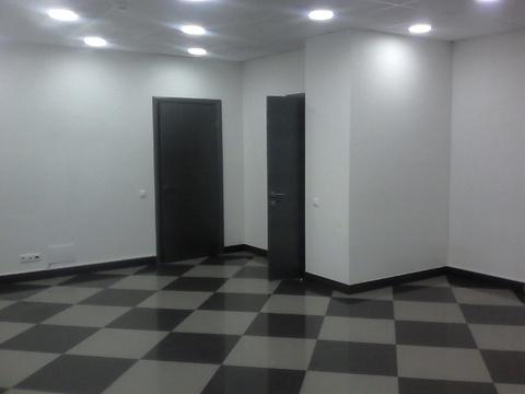 Торговое помещение на первом этаже с отдельным входом, 50 кв.м - Фото 1