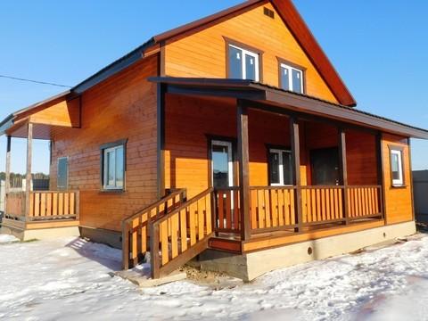 Купить дом у озера с коммуникациями в деревне - Фото 1