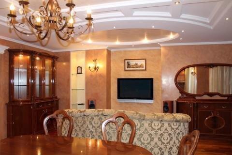 3к.кв. в центре, итальянская мебель, элитная обстановка - Фото 2