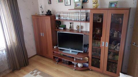 Продаётся 2-комнатная квартира на ул. Генерала Попова, Правый берег. - Фото 1