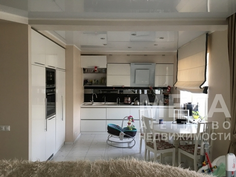 Квартира в кирпичном доме с отличным ремонтом - Фото 2