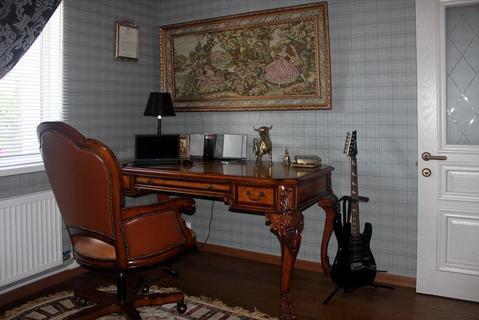 Дом с ремонтом в английском стиле и обстановкой на при лесном участке - Фото 5