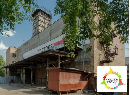 Объект представляет собой 2-этажное отдельно-стоящее кирпичное здание, - Фото 4