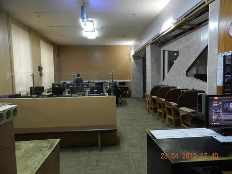 120 кв.м Первый этаж, отдельный вход, сан.узел, интернет, кондиционер. - Фото 1