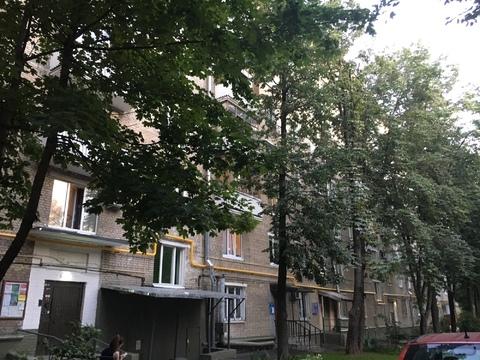 Большая уютная с балконом 18 м комната в 3 к.квартире - Фото 1