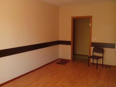 Три офисных помещения с отделкой на втором этаже офисного центра. - Фото 2