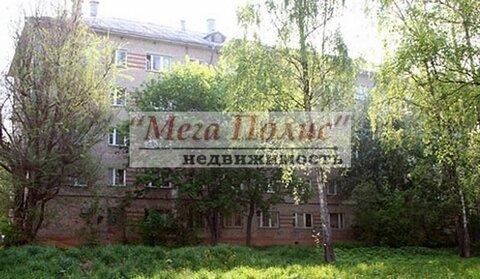 Сдается комната 18 кв.м. в общежитии ул. Ленина 77, с мебелью