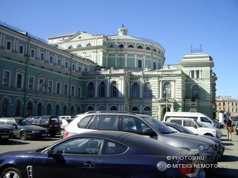 Универсальное помещение (330 мкв) на Театральной пл. - Фото 1