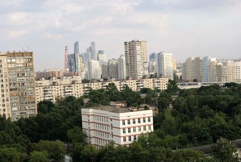 Просторная квартира с видами на Сити и живописный мост. - Фото 3