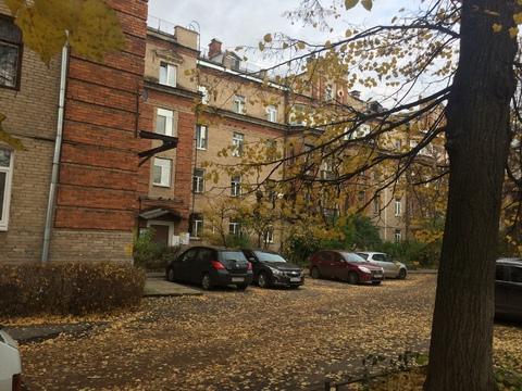 "Продам 2-х комнатную квартиру ""сталинку"" в центре г.Жуковского - Фото 1"