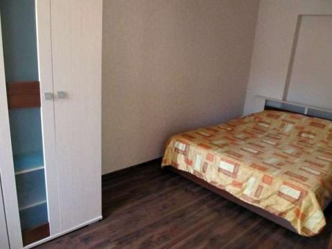 Сдается 2 комнатная квартира в брагино (ул.Панина) - Фото 1