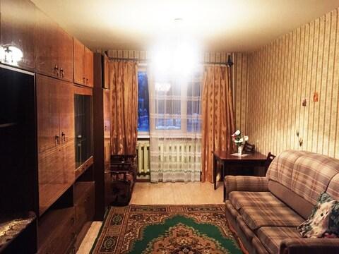 Продается квартира с раздельными комнатами, 2-мя кладовками, лоджией - Фото 2