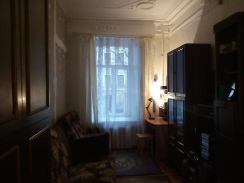 Продается комната в 7-комнатной квартире, г. Санкт-Петербург, ул. Б.Зе - Фото 1
