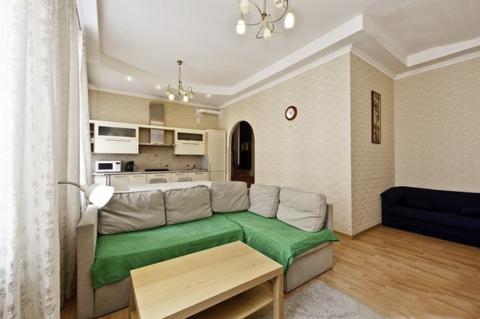 Стильная квартира на Невском с тремя полноценными спальнями посуточно - Фото 1