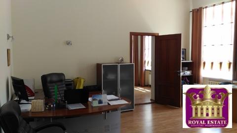 Сдам офис 55 м2 р-он пл. Куйбышева ремонт, мебель - Фото 1