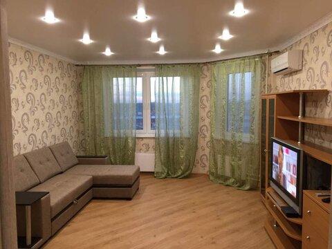 Сдается 2-комн. квартира, 62 кв.м, м.Молодежная - Фото 1