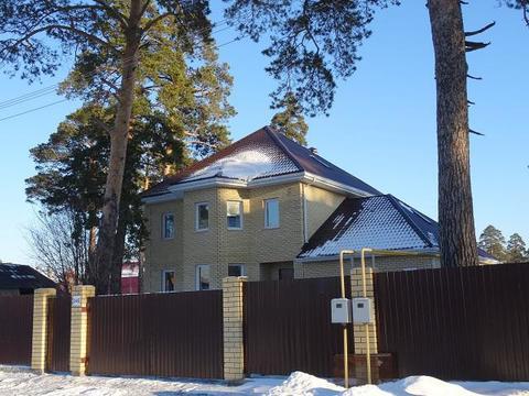 Отличный коттедж, с соснами на участке, п. Исток, черта Екатеринбурга - Фото 1