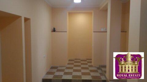 Сдам помещение 20 м2 на 1 этаже на ул. Севастопольская ТЦ Центрум - Фото 1
