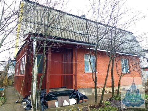Продается добротный просторный двухэтажный кирпичный дом - Фото 1