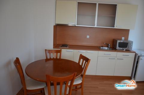 Уютная и светлая двухкомнатная квартира в Болгарии на курорте Солнечны - Фото 1