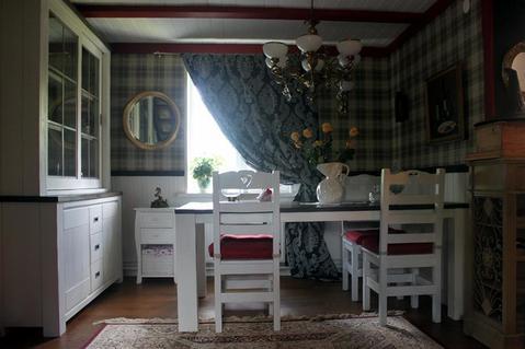 Дом с ремонтом в английском стиле и обстановкой на при лесном участке - Фото 2