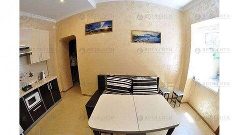 Продается двухкомнатная квартира с двориком в центре - Фото 4