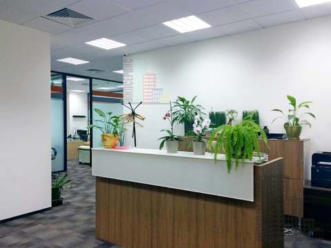 Офис 400м в бизнес-центре у метро, ставка 12800 - Фото 1