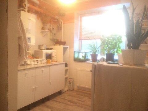 Продается 2-комнатная квартира на 3-м этаже в 3-этажном монолитно-кирп - Фото 1