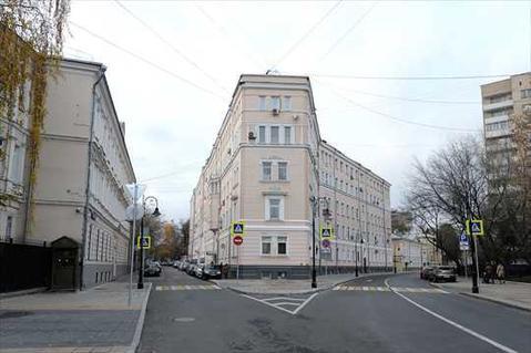 Продажа квартиры на первом этаже в известном доме на Патриарших . - Фото 1