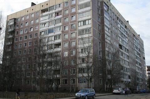 Двусторонняя квартира с тамбуром на две квартиры - Фото 1