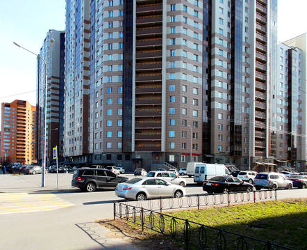 Продажа просторной 3-х комнатной квартиры с хорошим ремонтом, Купить квартиру в Санкт-Петербурге по недорогой цене, ID объекта - 319303004 - Фото 1