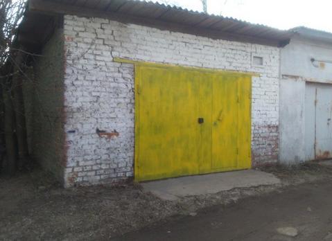 Продам неохраняемый кирпичный гараж 30 м2