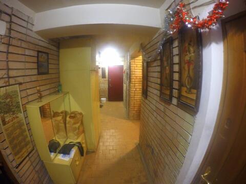Продаётся 2 комнатная квартира улучшенной планировки в центре города - Фото 2