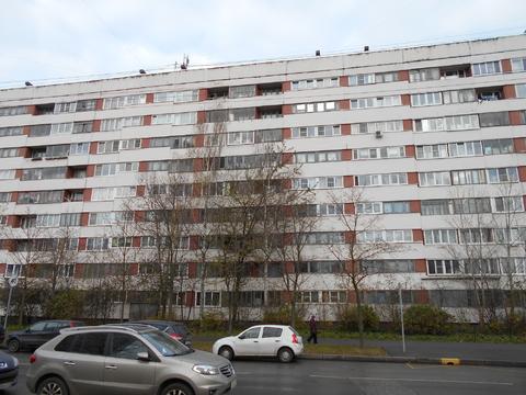 Продам очень теплую двухкомнатную квартиру м. Озерки ул. Кустодиева 2 - Фото 4