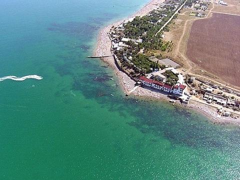 Продается участок на первой линии у моря в Заозерном - Фото 1