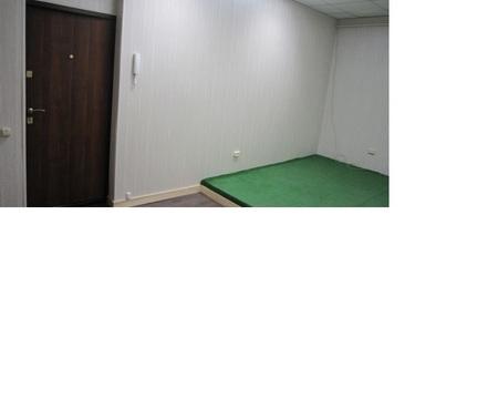 Светлое теплое офисное помещение на первом этаже. 18 кв.м. 12810 р. - Фото 1