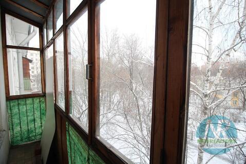 Продается 2 комнатная квартира на улице Окской - Фото 1