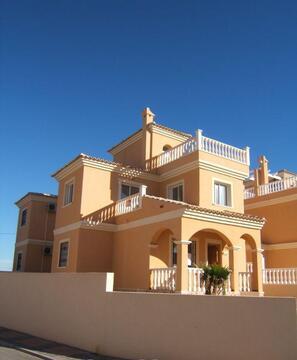Продать недвижимость в торревьехи испания