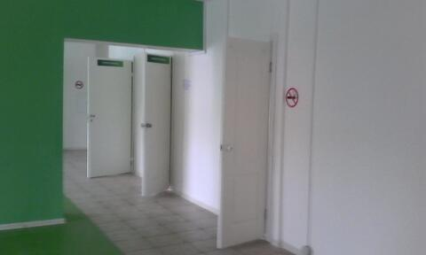 Помещение свободной планировки на первом этаже жилого дома - Фото 1