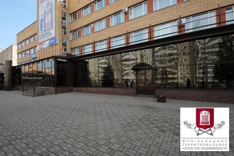 Сдается торгово-выставочный зал 370 кв.м. в Обнинске по Курчатова - Фото 1